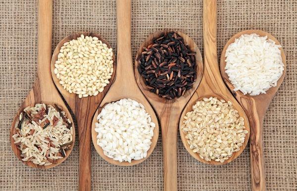 Diferentes tipos de arroz e suas propriedades