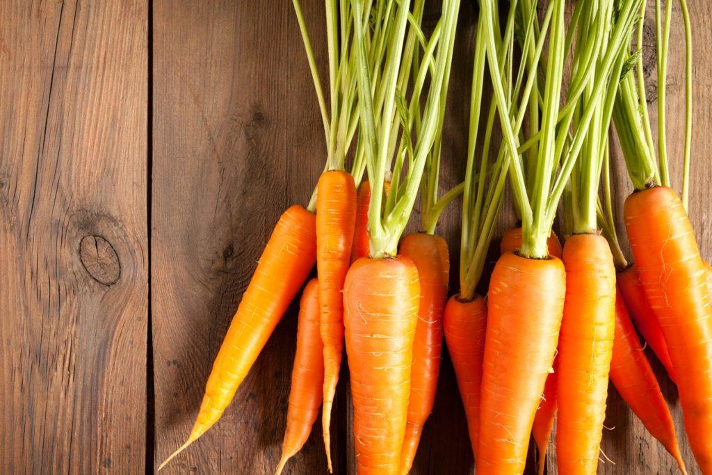 Lista com cinco alimentos que saciam a fome