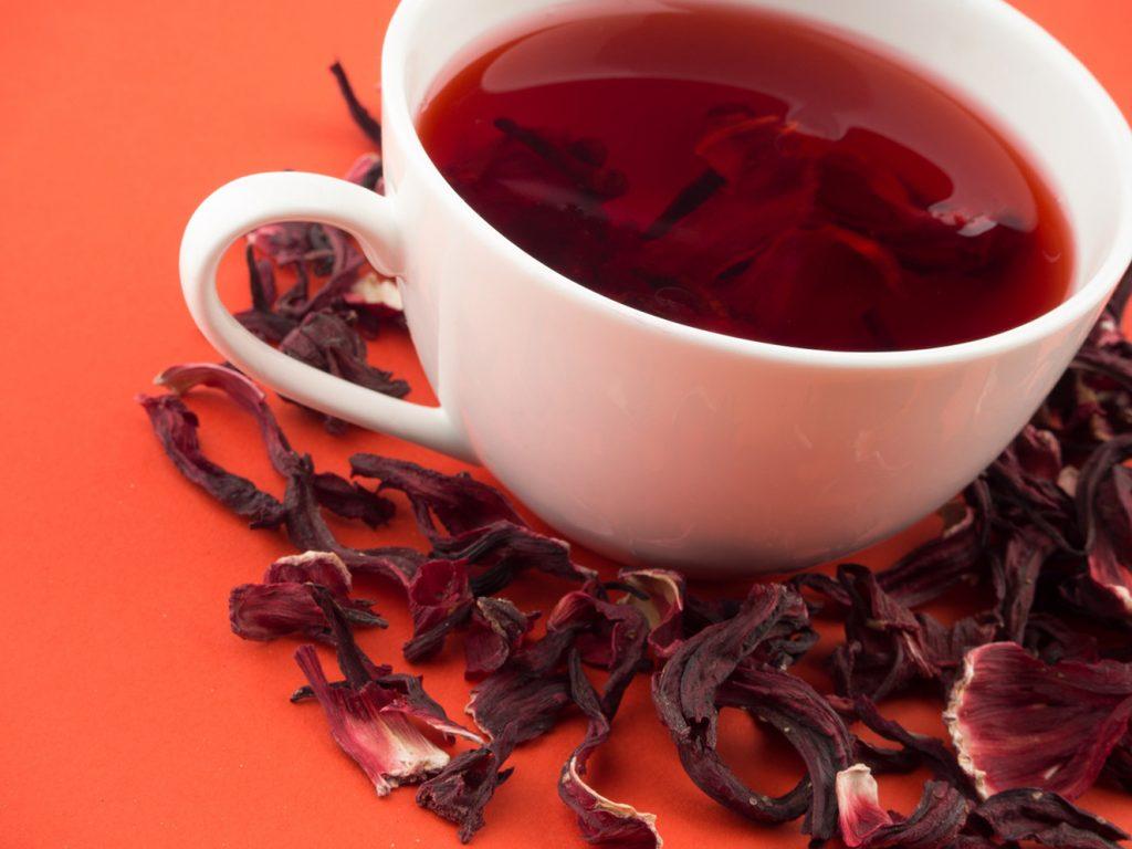 Como tomar chá de hibisco para emagrecer