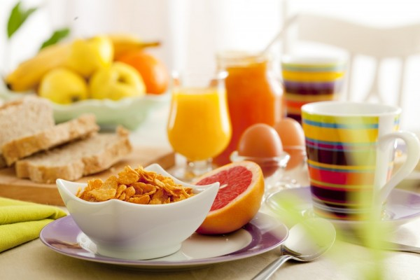 Dicas-para-diminuir-a-fome-na-hora-do-almoço-01