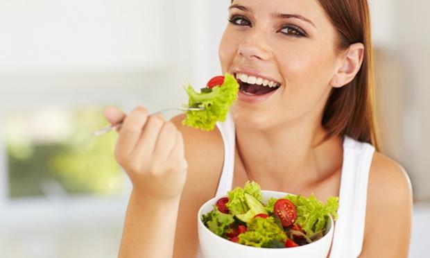 dicas para emagrecer: comer saladas devagar