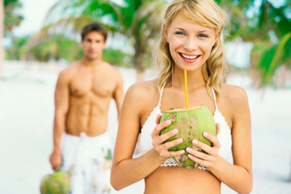 Água de coco: confira os benefícios dela na dieta