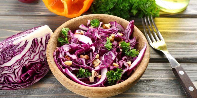 Salada com repolho roxo