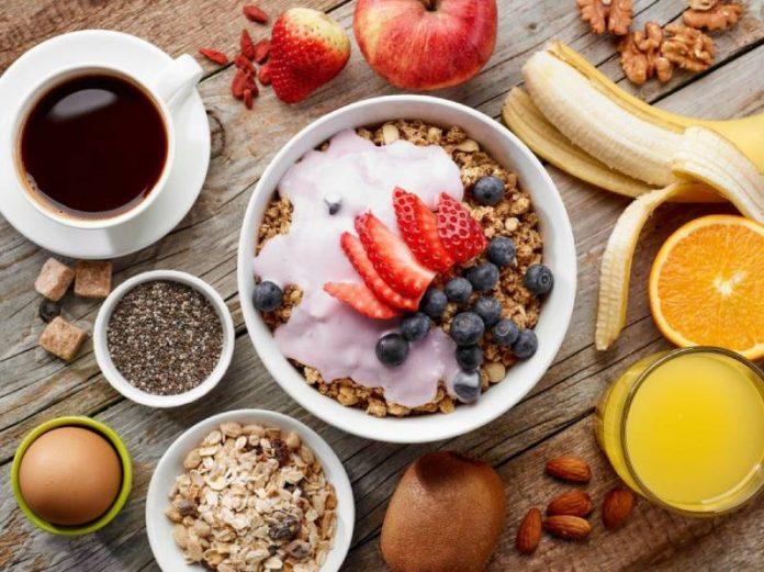 Dicas de como ter um café da manhã mais saudável